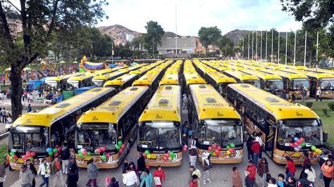 61 buses pumakatari