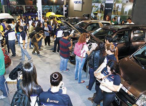 Automotriz. Los stands de las importadoras son los más visitados./ Fuente La Razón