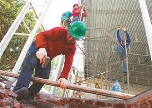 Soldadores, albañiles y pintores acaparan la demanda de mano de obra en la Fexpo