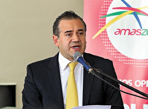 Urioste habla en la inauguración de los vuelos a Iquique. Amaszonas./La Razón