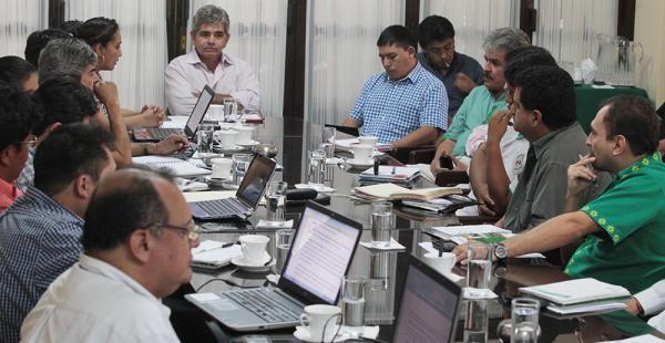 Ganaderos se reunieron con gestores de políticas públicas y privadas para debatir el proyecto./ El Deber
