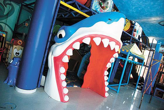 Diversion-tiburon joe banana1