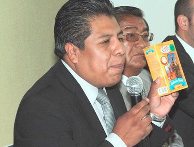 Iván Cahuaya, Director ejecutivo de Promueve Bolivia, promocionando el producto de exportación