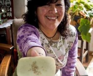 Consuelo Sánchez incorporó la quinua, el amaranto y la cañawa a sus jabones ecológicos y artesanales.