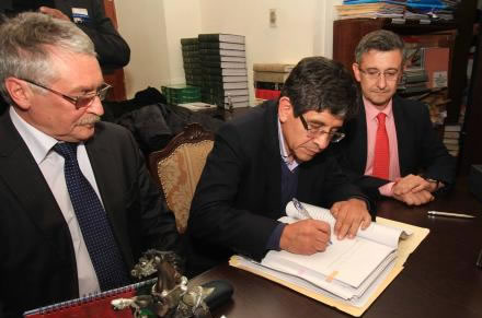 firma de contrato - YPFB