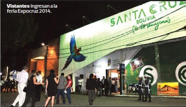 Vistantes ingresan a la feria Expocruz 2014./Fuente Página Siete