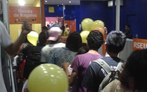 Banco Unión impulsa información crediticia a visitantes de Expocruz./ El Diario