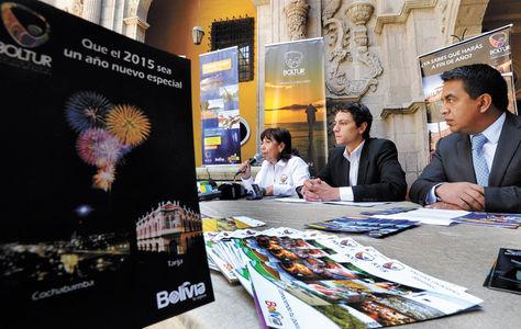 Conferencia-Autoridades-turismo-banca