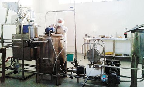 Uyuni-Pro-Bolivia-maquina-productora