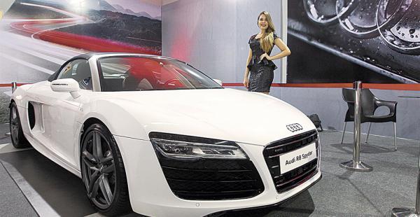 El Audi R8 Syder es el más lujoso y caro ($us 300.000) de Fiacruz. Fue vendido antes de la feria automotriz. Fuente: El Deber