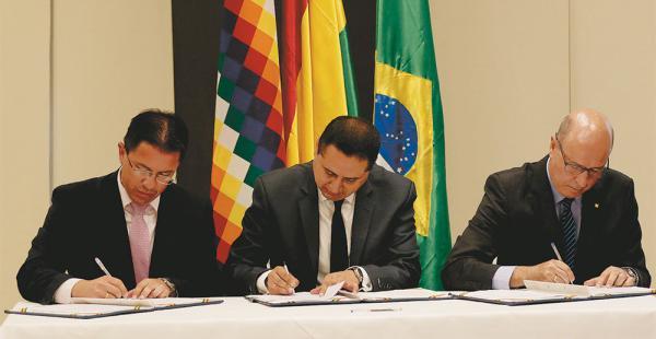 Firma el acuerdo para los trabajos en San Telmo y Astillero-Fuente: El Deber